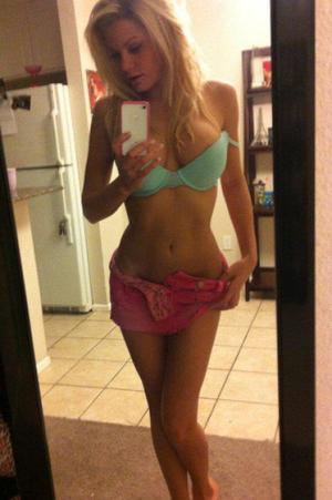 Looking for girls down to fuck? Mahalia from Honolulu, Hawaii is your girl