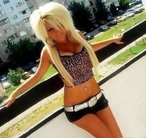 Drusilla from Pennsylvania is looking for adult webcam chat