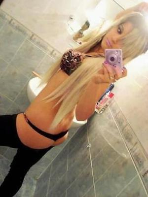 Karyl is looking for adult webcam chat