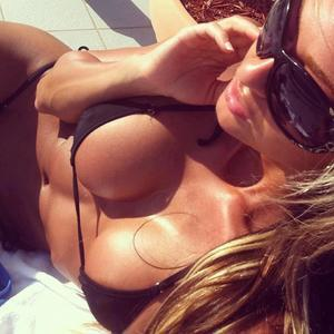 Pamelia from  is looking for adult webcam chat