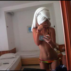 Marica from Richland, Washington is looking for adult webcam chat