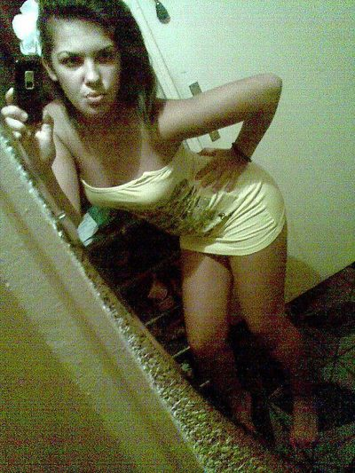 Agripina from Seattle, Washington is looking for adult webcam chat