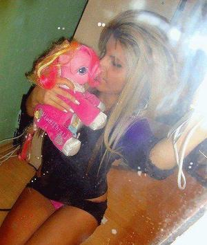 Looking for girls down to fuck? Pricilla from Wisconsin is your girl